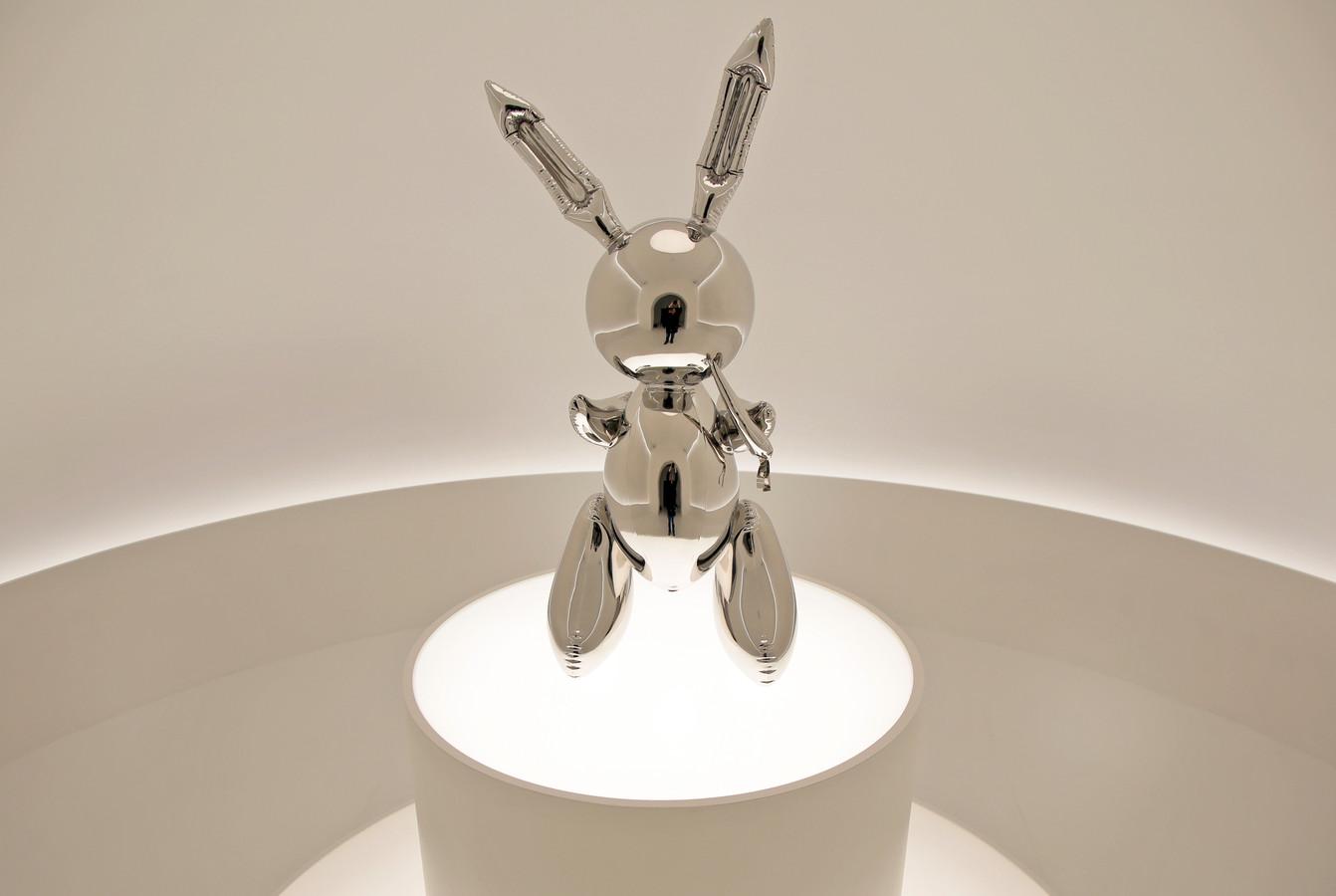Het werk Rabbit van de Amerikaanse kunstenaar Jeff Koons bracht ruim 91 miljoen op.