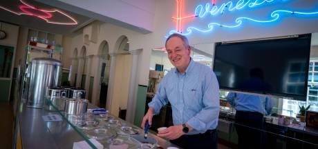 Carlo De Lorenzo, ijsmaker met glanzend gepoetste schoenen, ziet grootste wens in Openluchtmuseum in vervulling gaan
