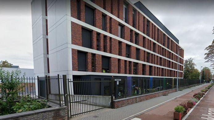 De lagere school van het Heilig Hart&College op de campus langs de Parklaan schakelt tot eind deze week over op afstandsonderwijs.