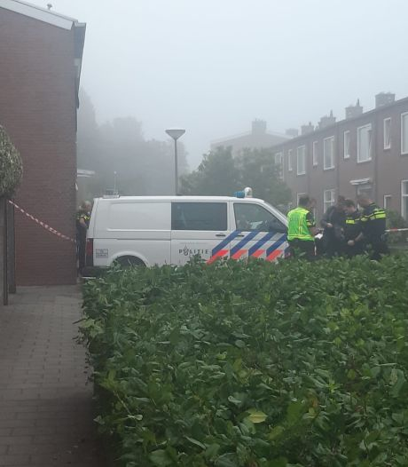 Dode man gevonden in brandgang Vlissingen; bewoners denken schoten te hebben gehoord
