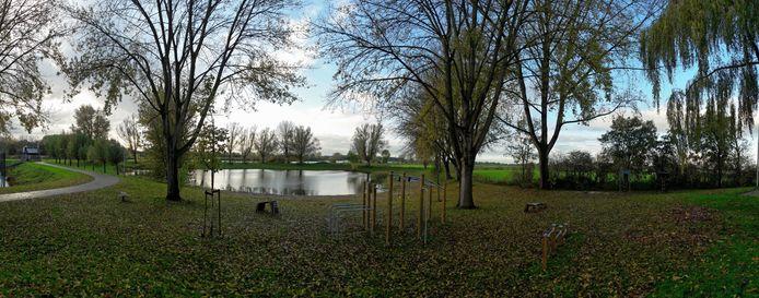 De plas in recreatiegebied 't Gelre's End die in Hedel bekend staat als de Soepkom.
