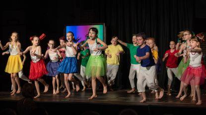 FOTOSPECIAL • Kinderen van De Bosrank schitteren in kleurrijke show