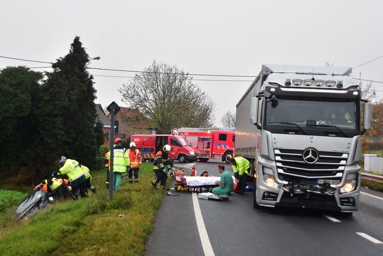 De vrachtwagenchauffeur werd verrast door de wagen die de N36 opreed.