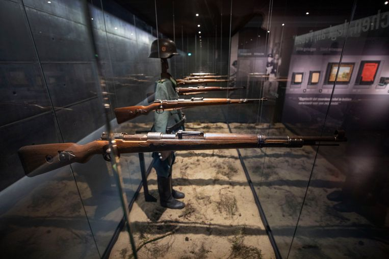 Verbeelding van een executiepeleton.   Beeld Werry Crone