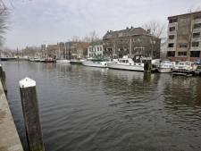 Mysterie in Vlaardingen: hoe kwam olie in de haven terecht?
