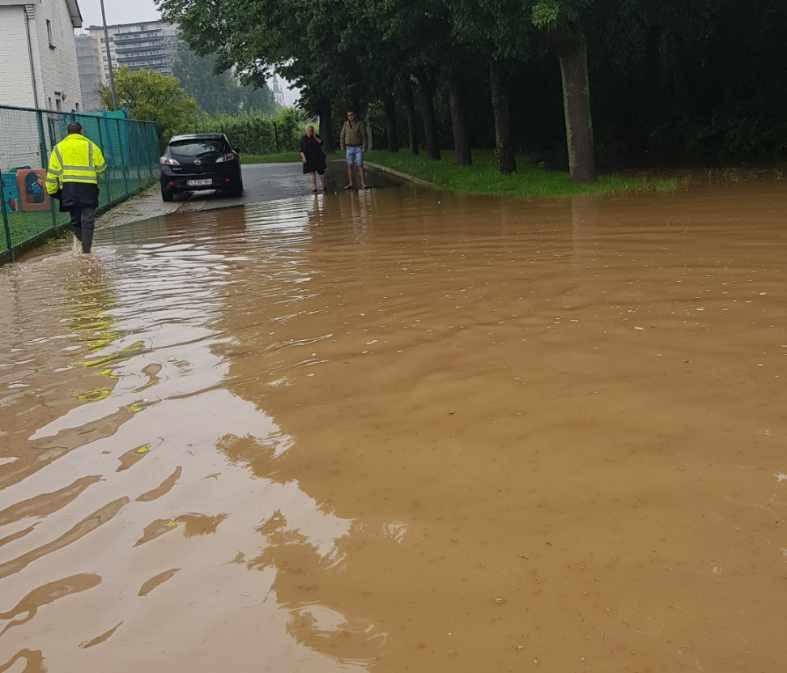 wateroverlast bij BOM.