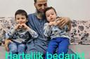 Hamid deelde op de crowdfundingspagina een foto als dank voor de donateurs.