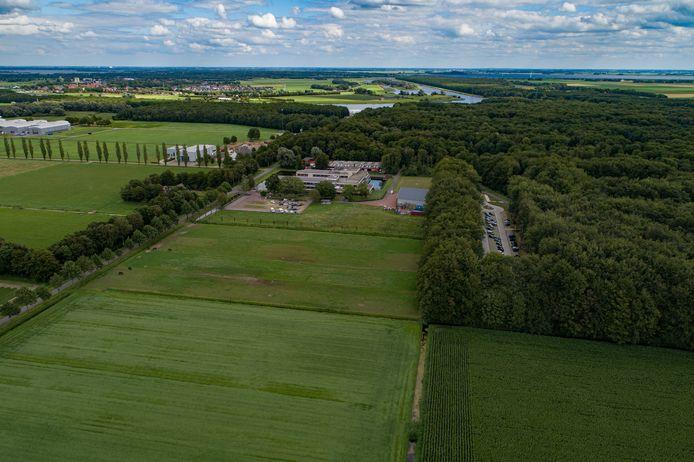De ontwikkeling voor een 14 hectare groot park met zonnepanelen in het Waterloopbos bij Marknesse is stilgelegd.