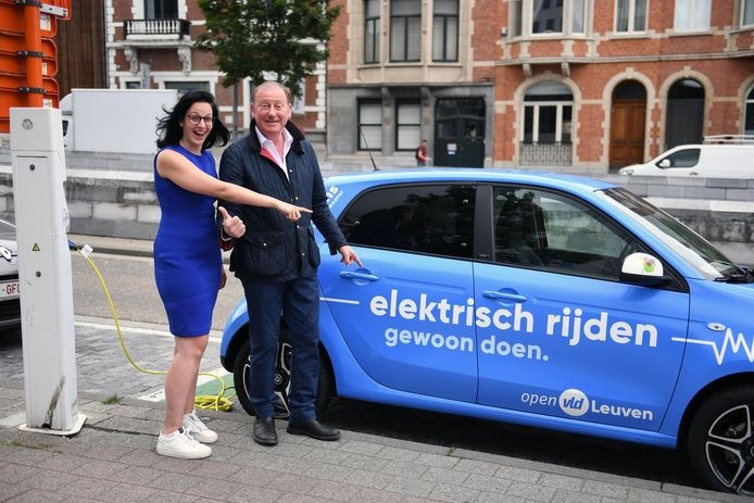 Alexandra Roumans is de vervangster van Rik Daems bij Open Vld Leuven. Samen met gemeenteraadlid Lien Degol zorgt ze voor de 'girl power' in de gemeenteraad.