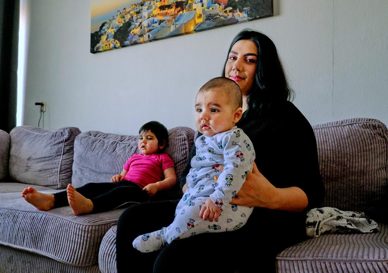 Hellan Wardak is moeder en volgt een zorgopleiding aan het Da Vinci College in Dordrecht.