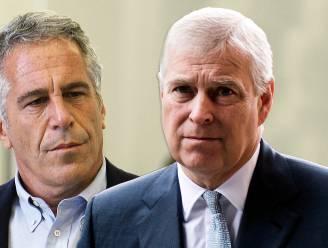 """Nieuw Epstein-dossier legt de leugens van de Britse prins bloot: """"Andrew stelde vakantie met Fergie en hun dochters uit voor een trip naar 'pedo-eiland'"""""""