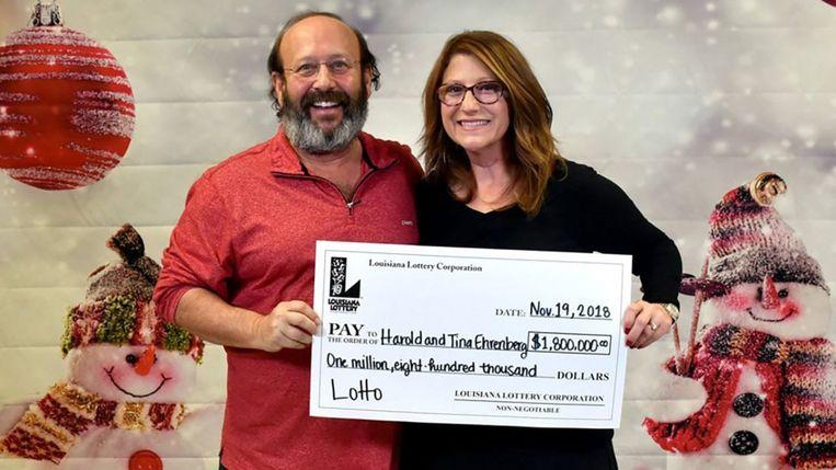 Harold en Tina Ehrenberg winnen maar liefst 1,8 miljoen dollar (omgerekend zo'n 1,6 miljoen euro). Beeld Louisiana State Lottery
