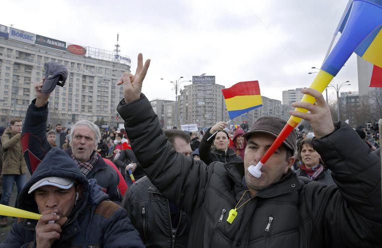 Demonstranten voor het regeringsgebouw in Boekarest, 5 februari 2017. Beeld epa