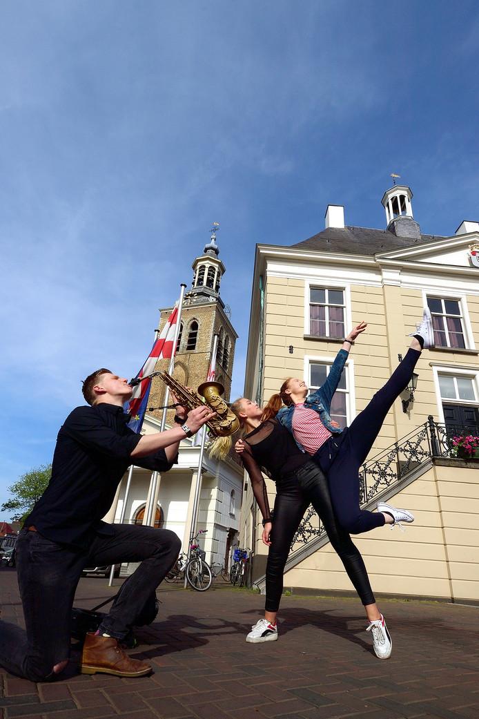 Theaterspektakel op Oude Markt voor Roosendaal  750 jaar