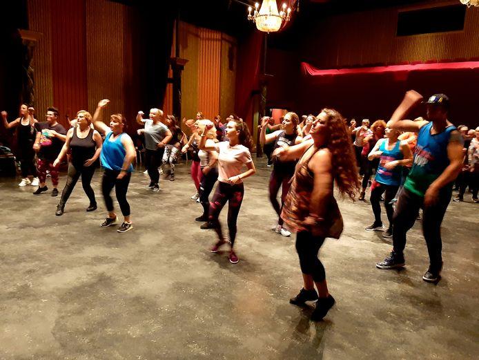 Vorig jaar gingen mensen los als Zumbadansers in het Vlissingse Arsenaaltheater voor het goede doel: Dromen voor Duchenne.
