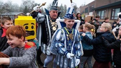 VIDEO. Kinderen van Sterrenrijk vieren carnaval op school