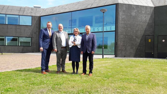Het nieuwe college van Borsele: burgemeester Gerben Dijksterhuis, en de wethouders Kees Weststrate (SGP/CU), Marga van de Plasse (CDA) en Arno Witkam (PvdA).