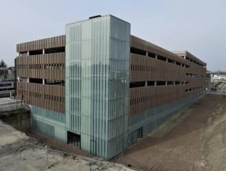 Overdekte fietsparking en parkeergebouw station Aalst openen voor de reiziger