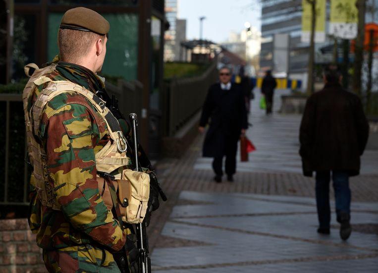 Militairen aan de Europese instellingen in Brussel. Beeld PHOTO_NEWS