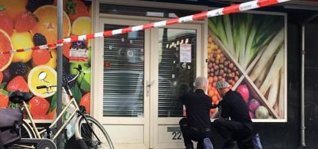 Eigenaar Baran ziet hoe zijn Poolse supermarkt wordt doorzeefd met kogels: 'Mijn hart stond stil'