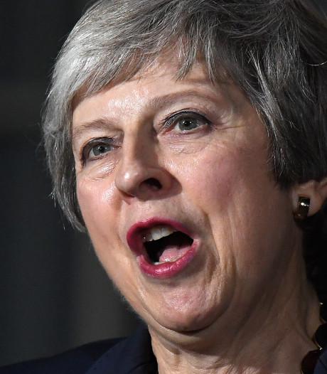 May verliest eerste lid Brits kabinet na brexitdeal