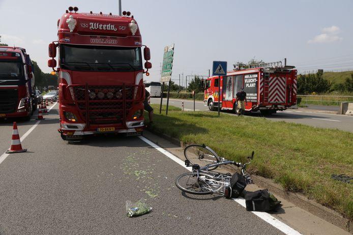 Het ongeval gebeurde aan de fietsoversteekplaats in de Keetberglaan.