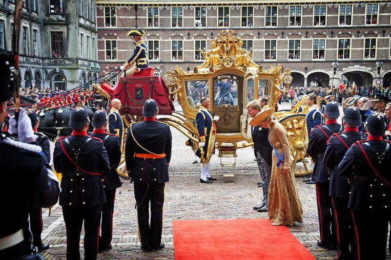 Gaan we dit beeld in de toekomst weer zien? Koning Willem-Alexander en koningin Máxima komen in de Gouden Koets aan bij de Ridderzaal op Prinsjesdag, in 2017. Beeld ANP