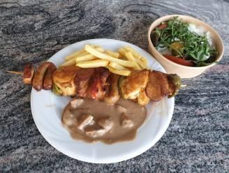 LEKKER LOKAAL. Takaway bij restaurant Alpenrose: 'Tirolerstube' combineert Oostenrijkse en Frans-Belgische keuken op geslaagde manier