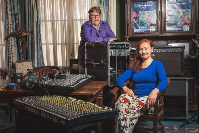 Freddy Jacobs en zijn vrouw Gulzhaina Kydyrova runnen samen de muziekschool Mezzos.