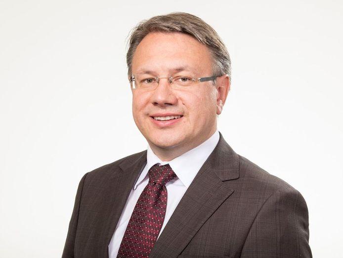 Georg Nüßlein (CSU) zou ruim een half miljoen euro hebben opgestreken voor zijn bemiddeling en wordt verdacht van corruptie en belastingontduiking.