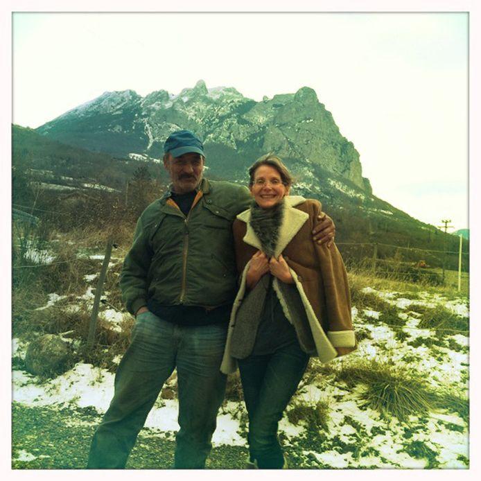 Boswachter Gilles is sceptisch, Corine is overtuigd van de magie van de berg.