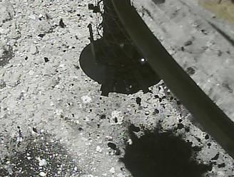 Japanse ruimtesonde slaat met 'bom' een krater in oppervlak asteroïde