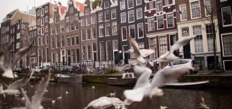 Gerard (23) betaalt in Amsterdam 728 euro voor 6 m2 en woont straks bijna tien keer zo groot