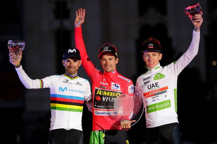 Het Vuelta-podium van vorig jaar (vlnr): Alejandro Valverdo, winnaar Primoz Roglic en Tadej Pogacar.