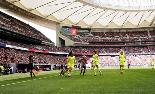 Lieke Martens in actie in Wanda Metropolitano tijdens Atlético Madrid - FC Barcelona.
