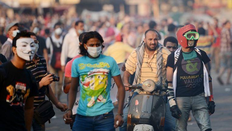 Egyptische demonstranten voor de Amerikaanse ambassade in Cairo. Beeld afp