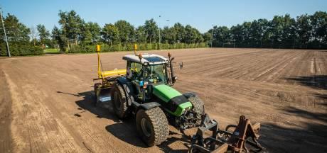 VSCO'61 ruilt natuurgras voor hybride voetbalmat in 'deal' met de gemeente Oldebroek