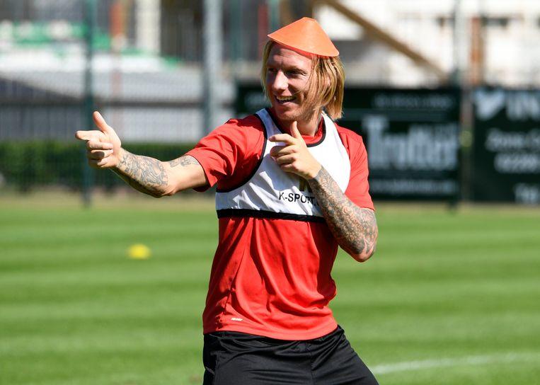 Jonathan Legear speels op de training van Standard. Beeld photo_news
