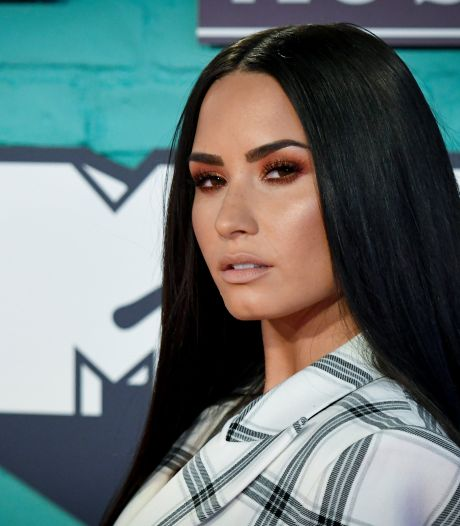 Demi Lovato openhartig over overdosis in nieuwe YouTube-docu