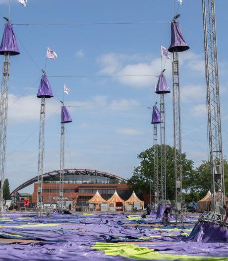 Nog geen stormloop in Salland voor kleine evenementen: 'Dit feest kan en ga je niet in het klein doen'