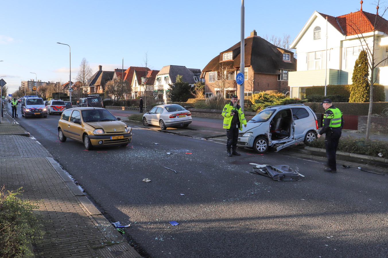 Aart Staartjes werd op de Harlingerstraatweg in Leeuwarden in zijn brommobiel aangereden door een auto.