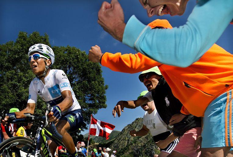 Nairo Quintana op 4 kilometer van de top van Alpe d'Huez, afgelopen zaterdag. Beeld Klaas Jan van der Weij
