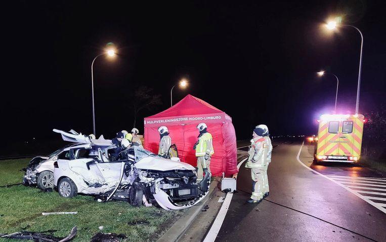 Bij een ongeval op kerstavond in Bree kwamen een vrouw en haar dochter om het leven. Beeld Marco Mariotti