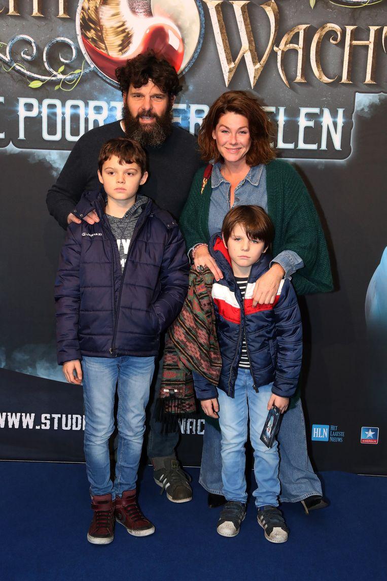 Ini Massez bracht haar partner en zoon mee, samen met een vriendje.