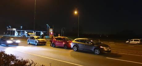 Kettingbotsing met drie auto's op Bunschoterstraat