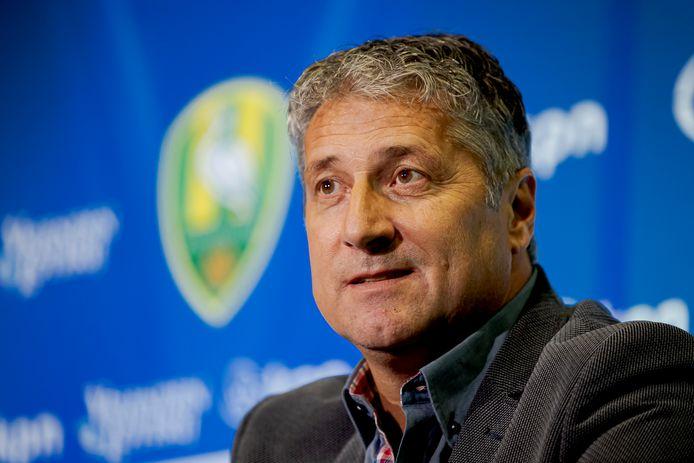 Ruud Brood, de nieuwe coach van ADO Den Haag, werd vanmiddag gepresenteerd in het Cars Jeans Stadion.