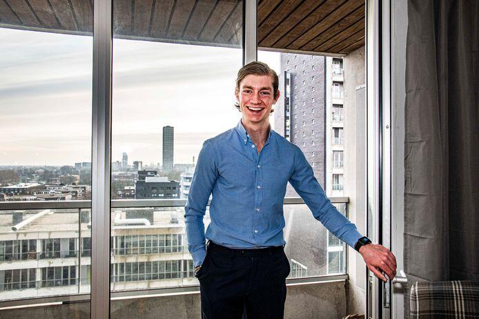 Geen student meer, toch blijft hij collegegeld betalen. Anders is Bas van der Werf zijn appartement kwijt.