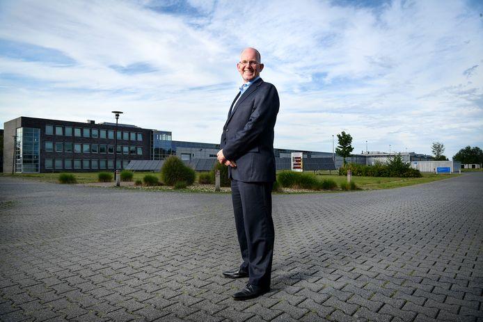Kees Koolen op het Eaton-terrein in Hengelo, dat hij kocht voor zijn groene campus The Green Box.