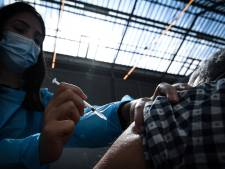 La vaccination s'ouvre aux plus de 55 ans en France