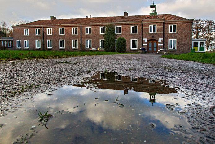 Het klooster op een archieffoto.